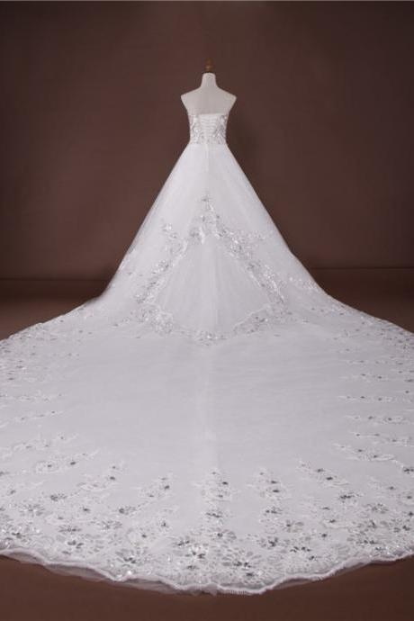 Luxury Crystal Beaded Wedding Dress High Quality Embellished Sweetheart Floor Length Tulle Wedding Gown Featuring Lace-Up Back and Chapel Train Ball Gown Bridal